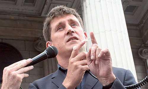 New TV service takes advantage of loopholes in new broadcast reform laws announced by Minister Eamon Ryan.