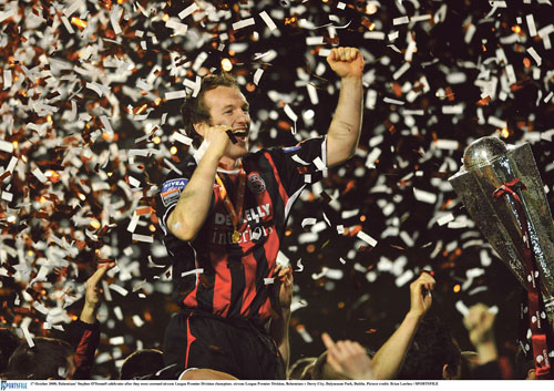 Stephen O'Donnell celebrates winning the League title with Bohemians.