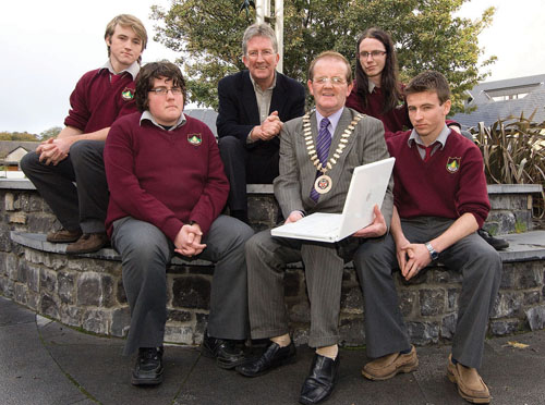 tomorrow: Pictured at the launch of the second annual Town of Tomorrow competition, in the Plaza Hotel, Westport, are members of last year's winning team, Awesome League, from Rice College, along with Brendan Hafferty of AMT3D and Cllr Martin Keane, Cathaoirleach of Westport Town Council. From left: Cian Tracey, Joseph Phillips, Brendan Hafferty, Cllr Keane, Daniel Geraghty and Timothy Horgan. Photo: Michael McLaughlin.
