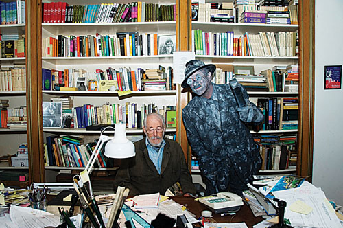 "JP Donleavy in his library with ""James Joyce"""
