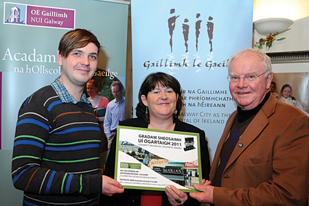 Will Mundon, Schuh, Bríd Ní Chonghóile, Gaillimh le Gaeilge and Mícheál Heaslip, Heaslips Dry Cleaners Ltd. attending an Information Evening about Gradam Sheosaimh Uí Ógartaigh, Galway's bilingual business award, which took place last week in Griffin's Bakery/Bácús Uí Ghríofa. The organisation Gaillimh le Gaeilge, responsible for the promotion of the Irish language in Galway City organises this annual bilingual business Award to recognise, honour and celebrate all the great bilingual work done in Galway to gain bilingual status for the  City. The Gradam Sheosaoimh Uí Ógartaigh  is now open for nominations until the end of this week.