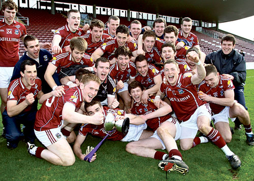 Galway u-21 footballers celebrate victory over Roscommon to claim the Connacht crown for the first time since 2005.     Photo: Mike Shaughnessy.