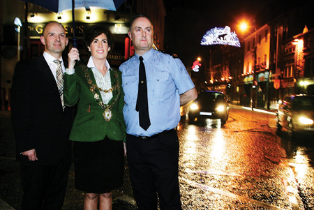 Mayor Hildegarde Naughton with Justin Tuohy, Engineers Ireland ,and Garda Inspector Derek Gannon before the launch on Monday of the Mayor's transport initiative. Photo:-Mike Shaughnessy