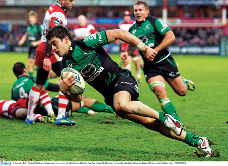 Tiernan O'Halloran Connacht, goes over to score his side's first try against Gloucester. Picture credit: Matthew Impey / SPORTSFILE