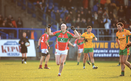 Seanie O'Donoghue shows his delight at the final whistle. Photo: johnobrienimages.com