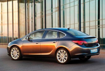 Stylish new Opel Astra saloon on the way