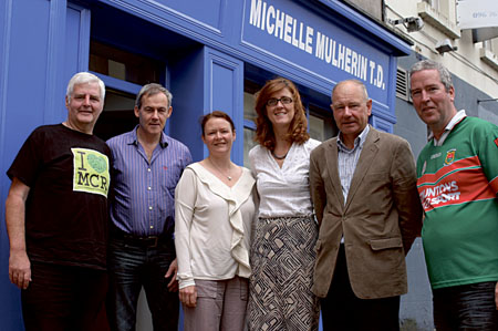 Lawrence Hennigan (Manchester Irish Festival), Peter Jordan (Mayo North Tourism Group), Liz Murphy (Ballina Gathering), Michelle Mulherin TD (Ballina), Vincent Roche (chair of Mayo North Tourism Group), and Tony Hennigan (Manchester Mayo tourism and business director).