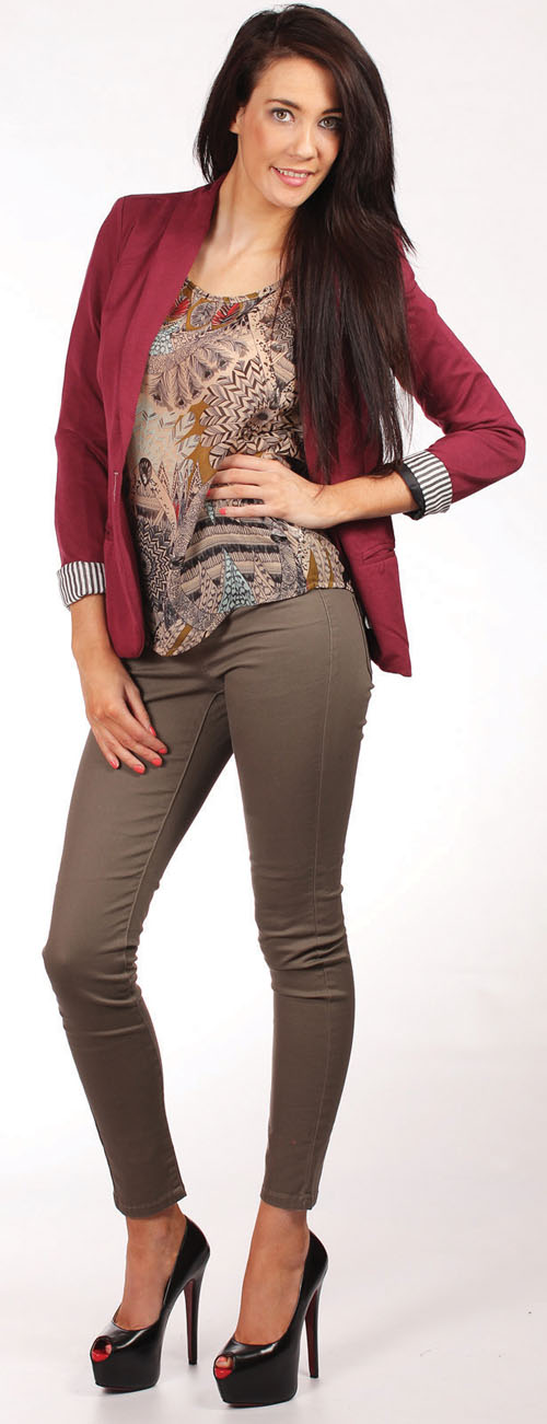 Vila marine top €26.95, Vila blazer €44.95, Funky high waist leggings €34.95.