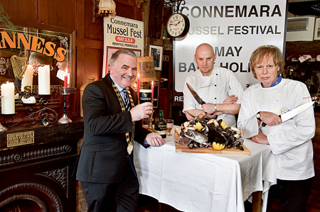 Mayor of County Galway Thomas Welby pictured with Joe Flaherty, head chef at Brasserie on the Corner, Galway, and Tim O'Sullivan, executive chef at Renvyle House Hotel and Euro-Toques Commissioner, preparing for the Connemara Mussel Festival which takes place in Renvyle this weekend.