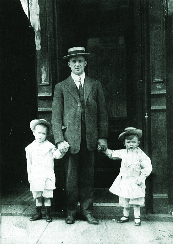 Waiting for his sisters to join him in New York: William Flannery and children 1908, looking prosperous.