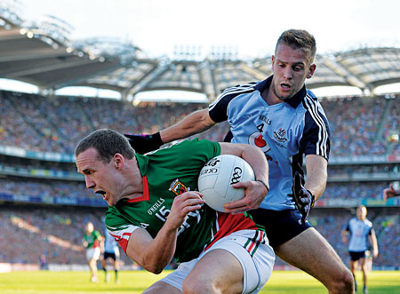 Looking for a gap: Andy Moran tries to make a break for goal against Dublin. Photo: Sportsfile