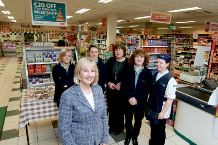 Beatie Meehen of Londis Plus Glenmaddy with her team of (l-r)  Hazel Rodgers, Mary Conneely, Claire Keaveney, Fidelma Divilly and Isabel Walsh. Photo:-Mike Shaughnessy