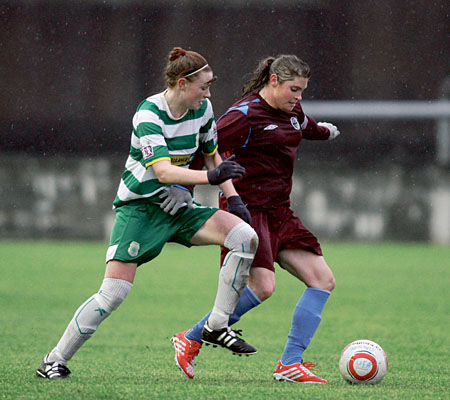 Race for possession: Galway WFC's Sinead Taylor and Castlebar Celtic's Aileen Gilroy in the Bus Eireann League game at Eamonn Deacy Park on Sunday.  Photo:-Mike Shaughnessy