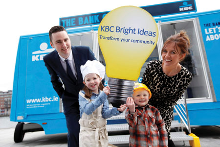 Hannah Corcoran, age seven and Alex Corcoran age three, with KBC hub managers David Murphy and Breda Gormally at the launch of the KBC Bright Ideas community programme. Picture Jason Clarke Photography