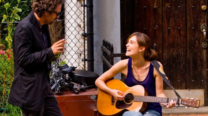 Mark Ruffalo and Keira Knightley in Begin Again.