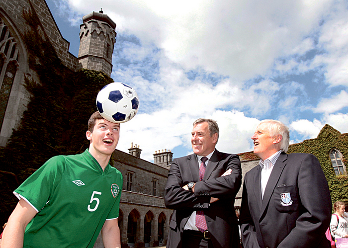 Heads up: Launching the Galway Cup at NUI Galway was Pakie Bonner FAI with Evan Murphy, Irish U-15 captain, and Pete Kelly of Salthill Devon.  Photo:-Mike Shaughnessy