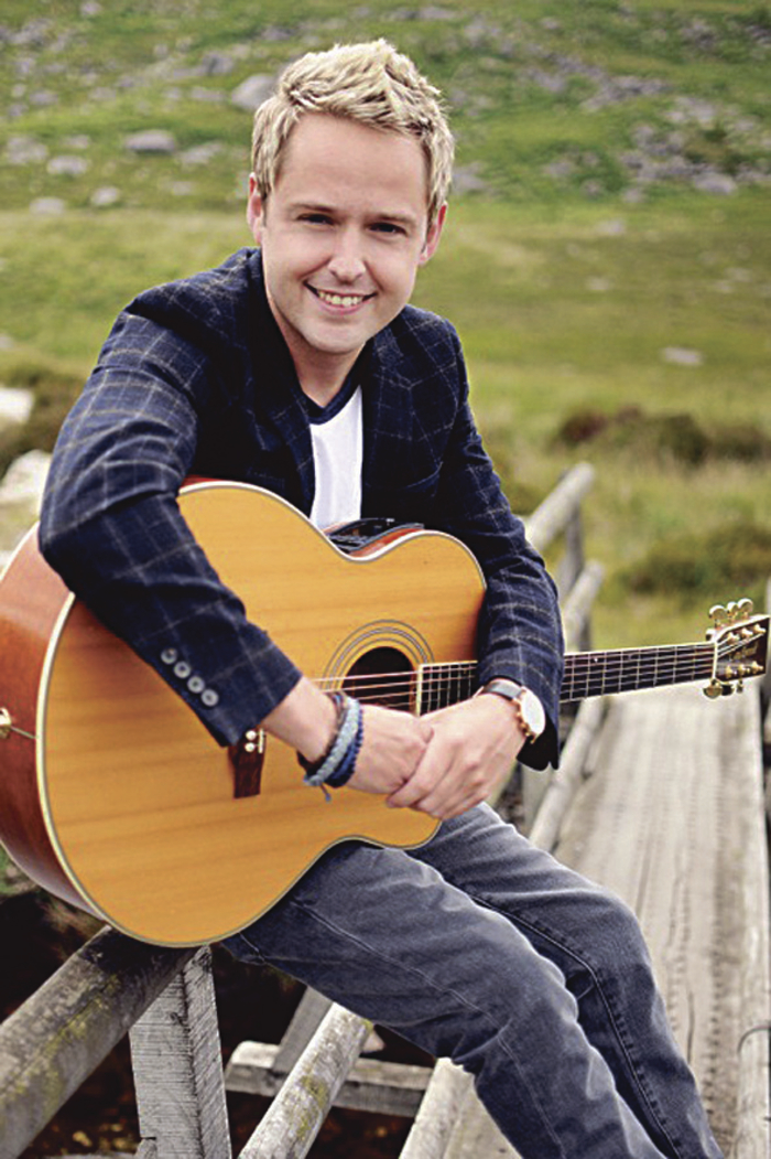 Advertiser ie - New album from Irish country music star Derek Ryan