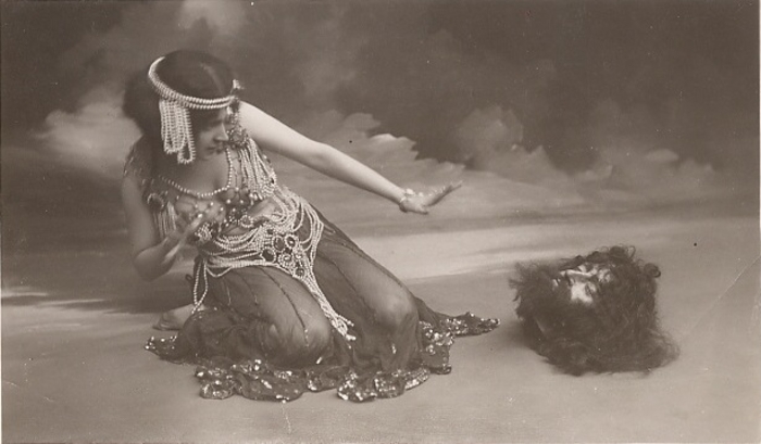 Maude Allen in the role of Salome.