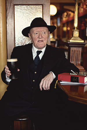 Val O'Donnell as Flann O'Brien.