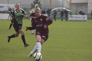 Lynsey McKey (right) , on song for Galway WFC, scored two goals to ensure a deserved draw with  Peamount United in Dublin.