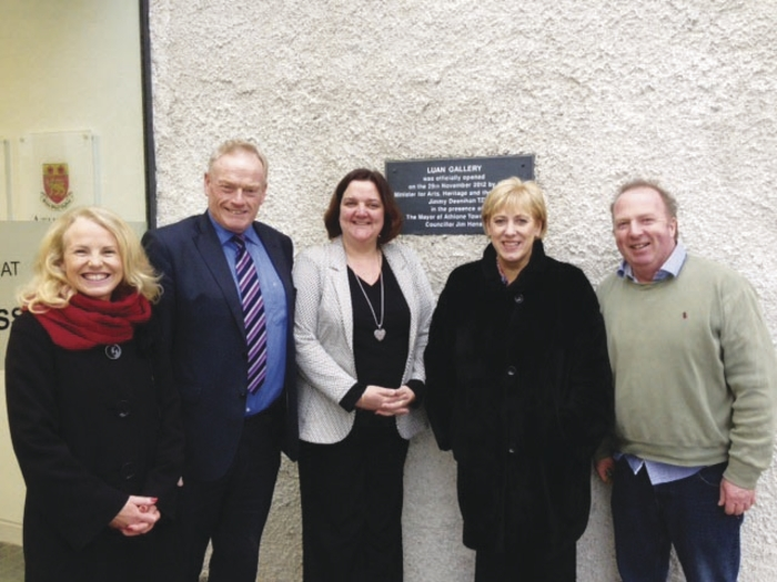 Minister for Arts, Heritage and the Gaeltacht, Heather Humphreys, visiting the Luan Gallery, Athlone recently. Pictured l to r: Carmel Duffy, manager Athlone Arts & Tourism; Deputy James Bannon; Deputy Gabrielle McFadden; Minister Heather Humphreys; and Joe Grennan, Athlone Arts & Tourism.