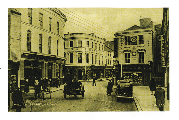 Looking towards Dillon's 'Dublin Time' clock  on William Street in the 1950s.