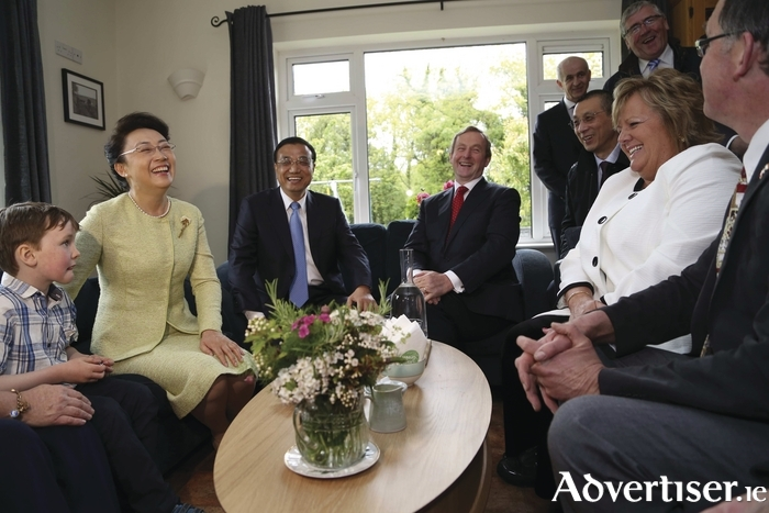 Taoiseach Enda Kenny and his wife Fionnuala visited Cathal and Mary Garvey's farm in county Mayo and welcomed Premier Li of China and his wife Professor Chang to Ireland on Sunday.