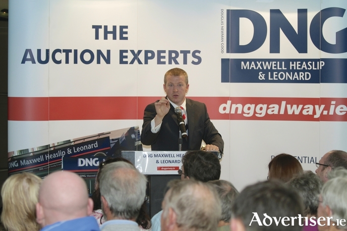 Auctioneer James Heaslip of DNG Maxwell Heaslip & Leonard.  Photo:-Mike Shaughnessy
