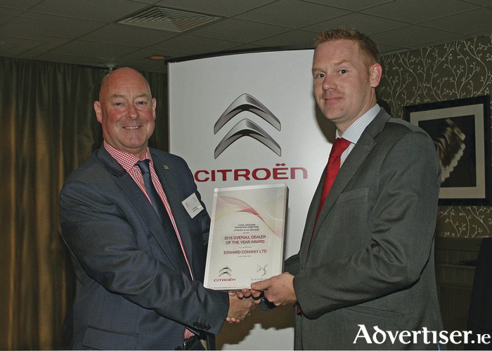 Pictured at the presentation of Citroën and DS Ireland Dealer of the Year Award 2015 was Chris Graham, Managing Director, Citroën and DS Ireland with Padraic Conway, Dealer Principal, Conway Motors, Castlebar.