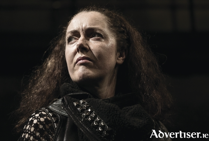 Derbhle Crotty as Henry IV in DruidShakespeare. Photo by Matthew Thompson