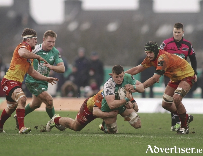 No 8 Eoghan Masterson on the attack for Connacht in their victory over Scarlets in the Guinness Pro12 game at the Sportsground on Saturday.      Photo:-Mike Shaughnessy