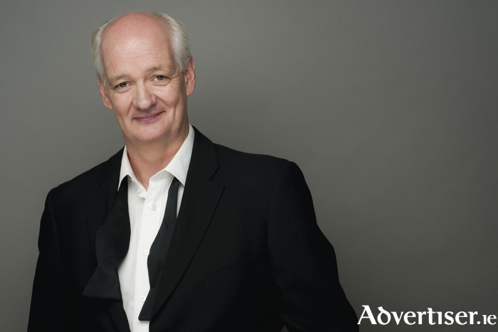Colin Mochrie.