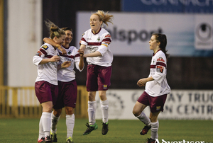 24 September 2016; Lynsey McKey, left, of Galway WFC is congratulated by teammates after scoring her side's opening goal during the Continental Tyres Women's National League game between Galway WFC and Wexford Youths WFC at Eamon Deacy Park in Galway. Photo by Seb Daly/Sportsfile