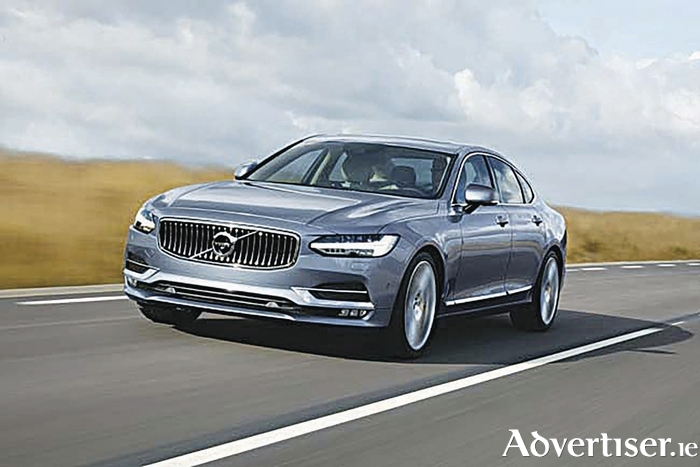 Location Front Quarter Volvo S90 Mussel BlueThe new Volvo S90.