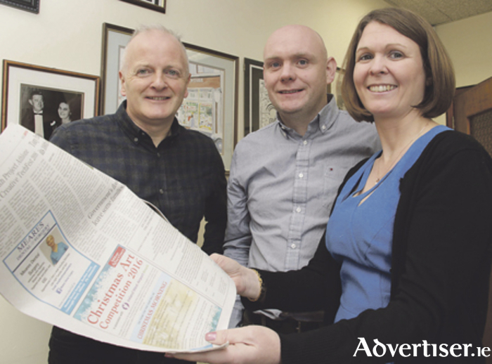Declan Varley (left) Advertiser Newspaper Group editor with Donal Healy marketing manager Ireland West Airport Knock and Maire McCarthy, group sales manager Advertiser Newspapers at the announcement of Ireland West Airport Knock as sponsors of the Athlone Advertiser Christmas art competition. Photo: Mike Shaughnessy