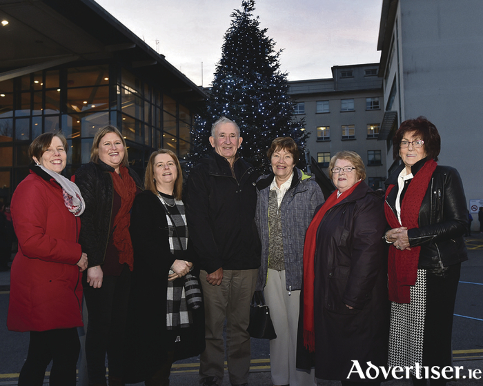 Committee Members Susan Massey, Fidelma Molloy, Anne McKeown, Mary Cahill, Margaret Duignan Chairperson & Phil Grealish with Joe Steve Ó Neachtain, Ros na Rún at the Children's Remembrance Day Committee launch of their annual 'sponsor a Christmas Tree Light' at University Hospital Galway on Sunday.  Photo: Joe Travers
