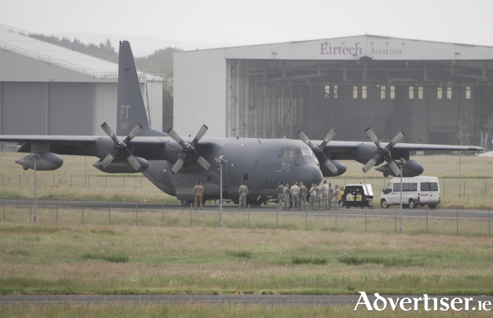 US troops boarding a plane at Shannon Airport.