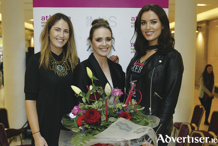 Aoife Kearney, Athlone Towncentre; fashion blogger Pam Kuss; and model and presenter Holly Carpenter pictured at the recent Spring Style Sensation fashion showcase in Athlone Towncentre. Photo: Molloyphotography