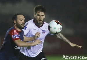 Galway United's Stephen Folan and Sligo Rovers Raffaele Cretaro in action in the SSE Airtricity League  game on Monday night at Eamonn Deacy Park. 		Photo:-Mike Shaughnessy