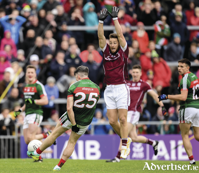 Wide of the target: Evan Regan's effort for a point goes wide deep into injury time. Photo: Sportsfile.