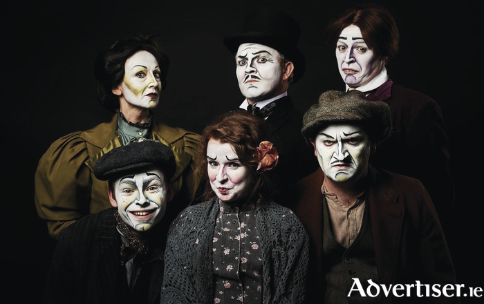 The cast of Dublin By Lamplight.