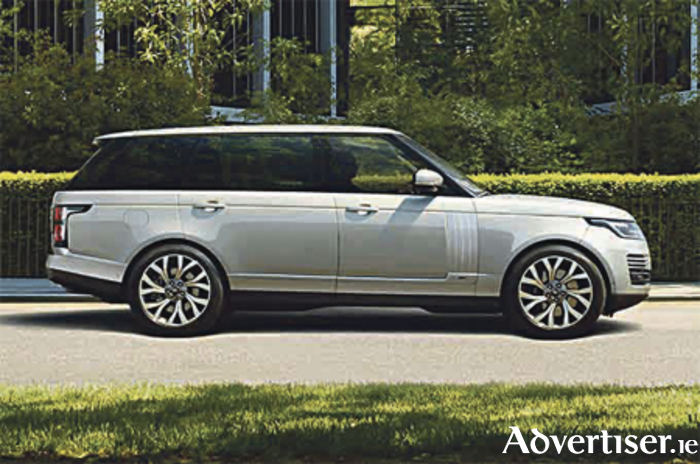 new range rover p400e provides silent luxury. Black Bedroom Furniture Sets. Home Design Ideas