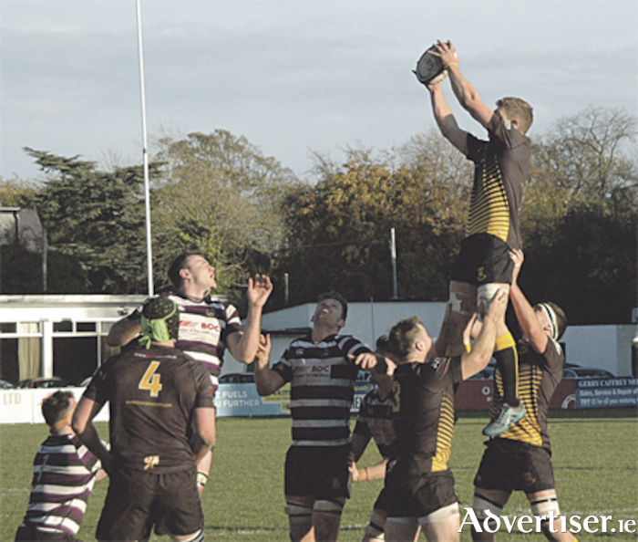 Simon Meagher wins lineout ball