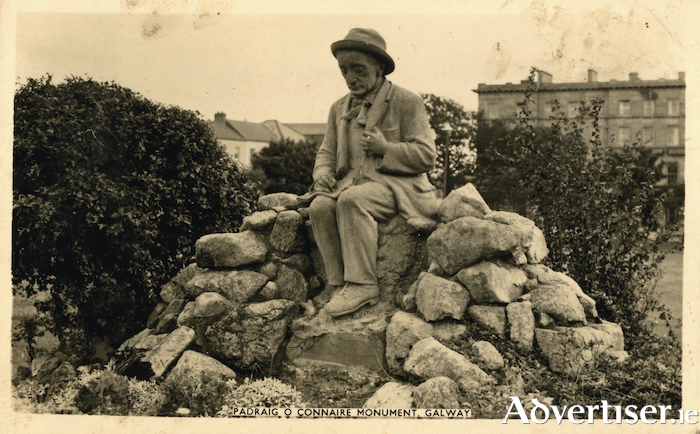 A postcard from the 1940s showing the Ó Conaire statue.