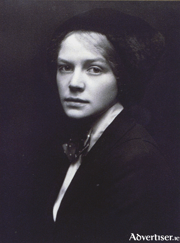 Nora Summers (1892-1948) pictured around the time of her affair with Robert Gregory.