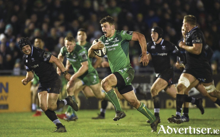 Tom Farrell of Connacht on his way to scoring a try for Connacht against the Ospreys last weekend. Photo: Sportsfile