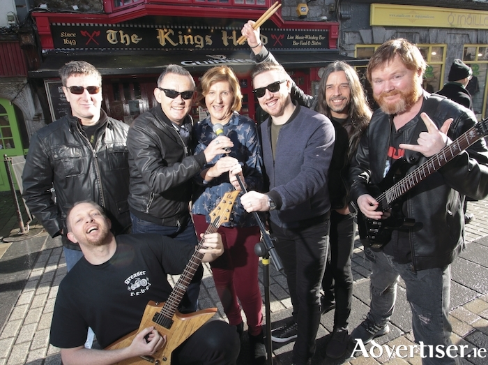 Galway Rocks For Hospice: (L-R) Turlough Moore (Pyramid), Paul Grealish (Kings Head) Mary Nash (Galway Hospice) Alan Feeney (Tightrope) Kelvin Gillmor (KIF) John Cullen (Tightrope) and Martyn Weejes (Tightrope). Photo:- Mike Shaughnessy