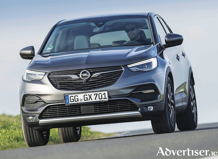 Opel Grandland V adds new engine.