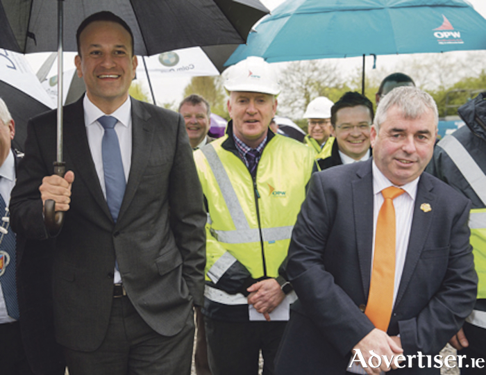Pictured in Athlone last Thursday were An Taoiseach Leo Varadkar, Vincent Rhattigan, OPW, and Minister of State for the Office of Public Works & Flood Relief, Kevin 'Boxer' Moran. Photo: Johnny Bambury / Fennell Photography