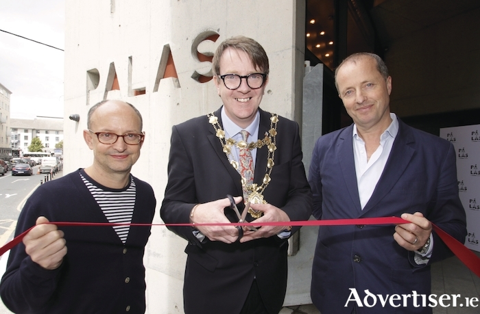 Mayor of Galway City Niall McNelis joins Ed Guiney and Andrew Lowe of Element Pictures at the official opening of the Palás Cinema. Photo:- Mike Shaughnessy